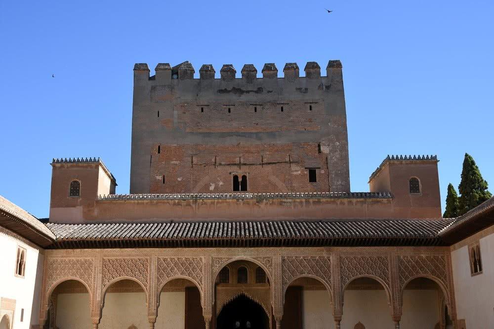 Comares Tower - Nasrid Palaces - AlhambraDeGranada org