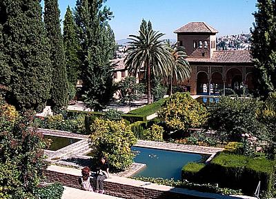 los especialistas marcarn las pautas que establecen qu flor es la ms adecuada para cada espacio se intentar evitar el caso del patio de la acequia - Jardin De L Alhambra